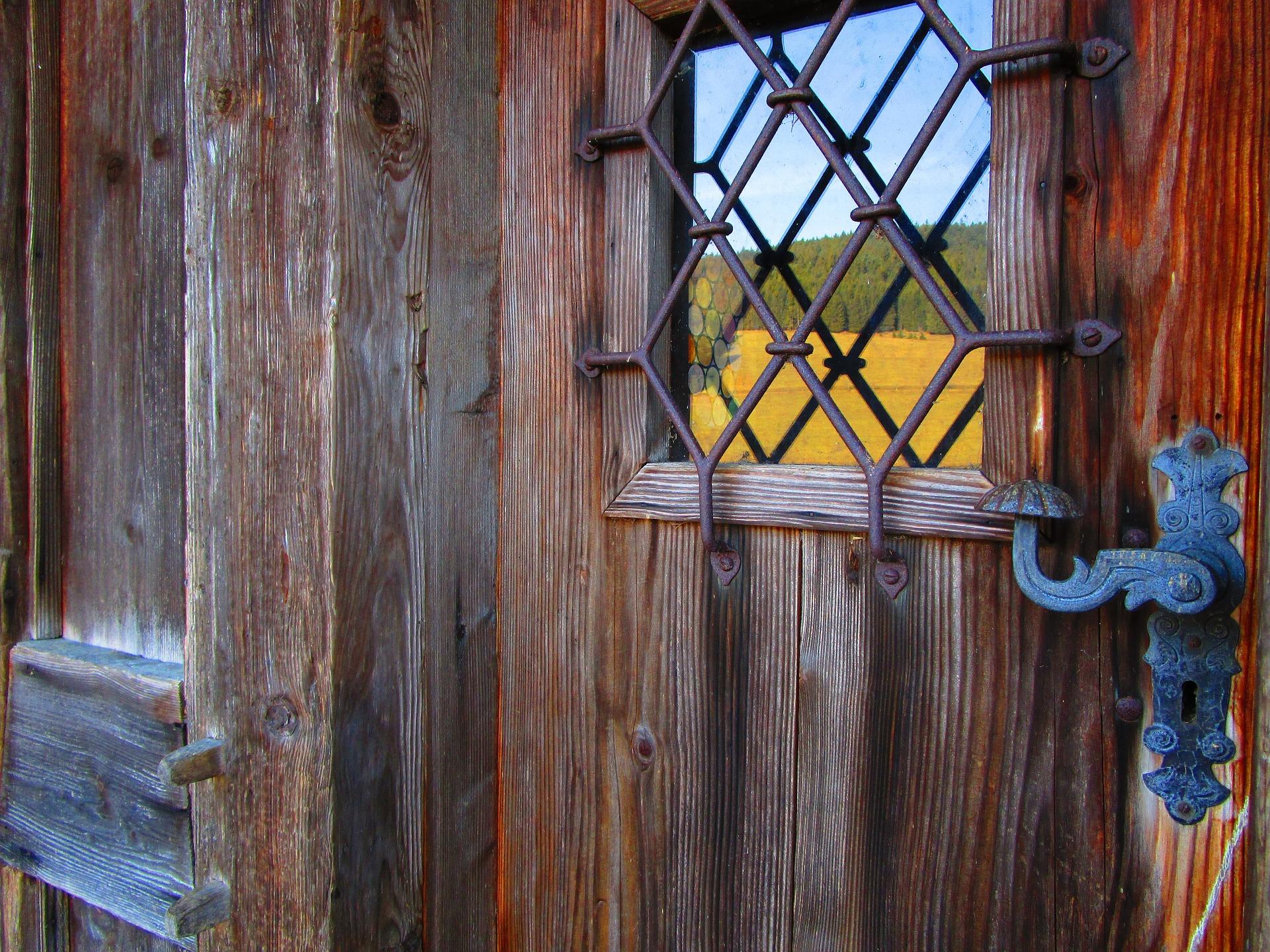 door-2102603_1920