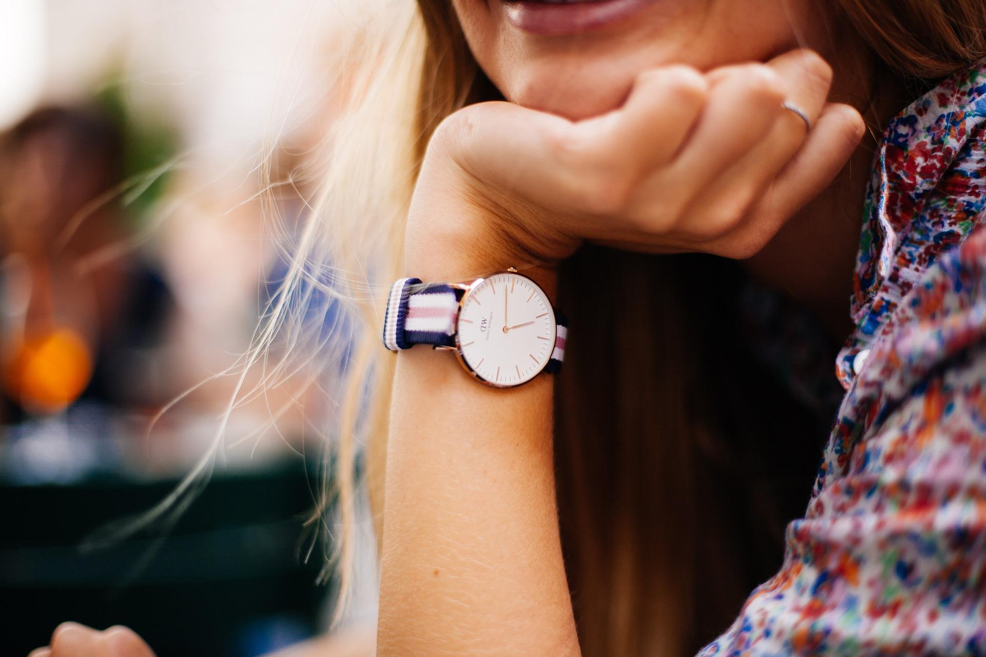 watch-828848_1920